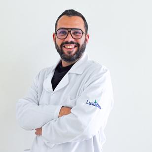 Dr. André Martinez
